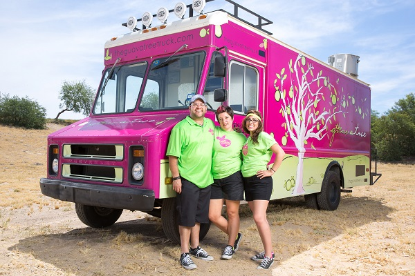 Team Guava Tree's Mariah Dobson, Pam Perez and Onel Perez in Lake Havasu City, Arizona, as seen on Food Network's, The Great Food Truck Race, Season 6.