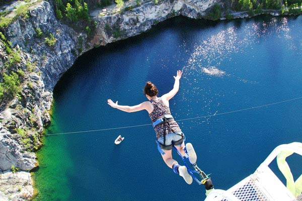 great-canadian-bungee-breakaway-experiences19-19-05-2015