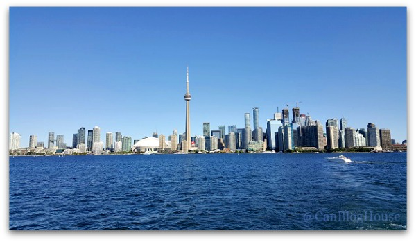 10 Things To Do Once You Ve Been Up The Cn Tower Seetorontonow Canadian Blog House