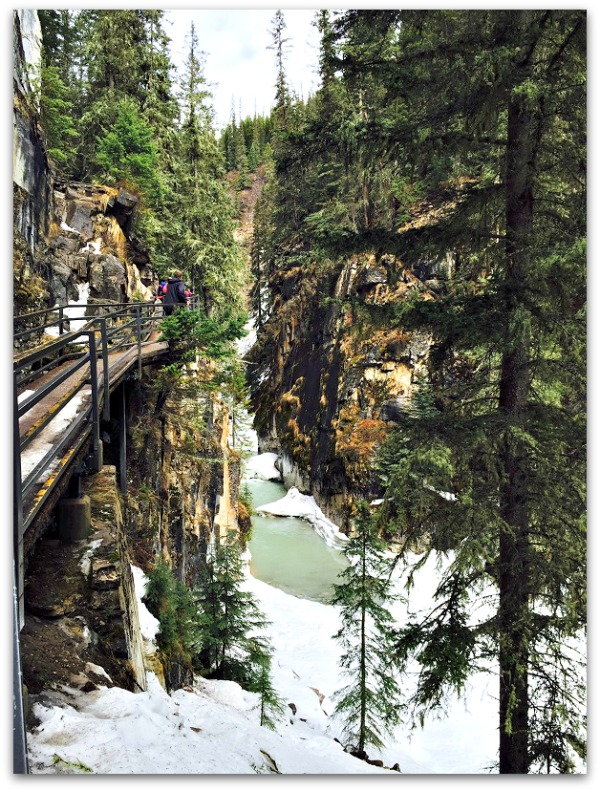 Kid-Friendly Hikes - Johnston Canyon Alberta