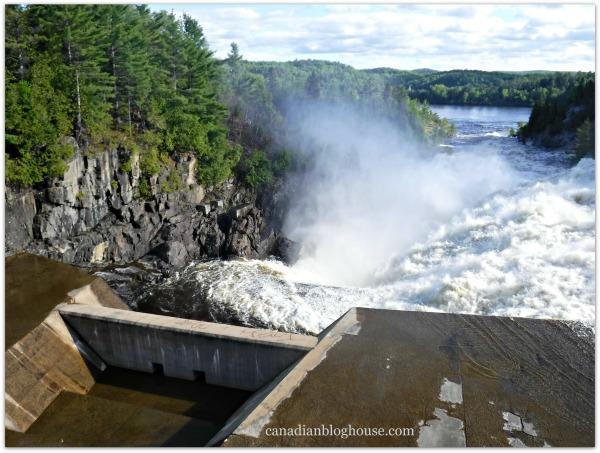 Paugan Dam Quebec Fuji FinePix XP120