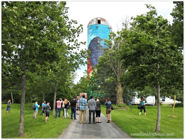 Popsilos tour Vankleek Hill Vineyard