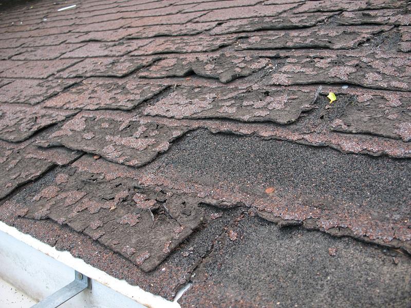 Asphalt shingles toxic mineral