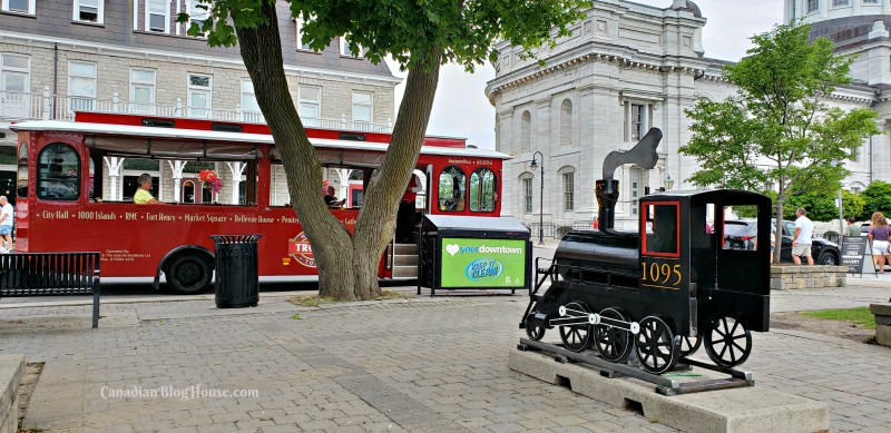Kingston Trolley Tour in Historic Downtown Kingston