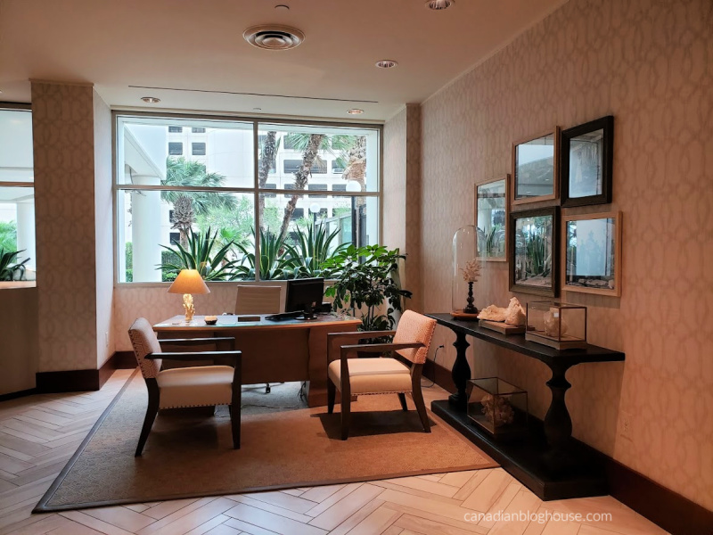 Omni Corpus Christi Hotel Concierge Seating Area
