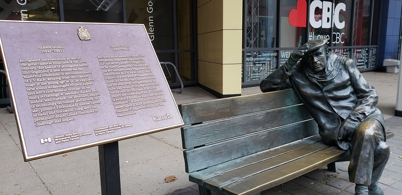 Glenn Gould statue in front of CBC building in Toronto